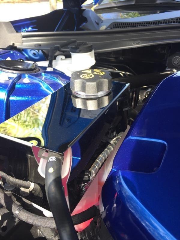 2016 – 2018 6Th Gen Camaro V6 & V8 Radiator Coolant Tank Cover